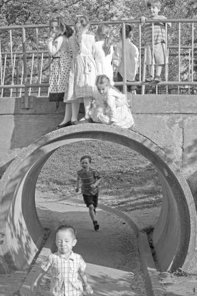 Playground Tunnel, © Jacquelyn Cynkar. Documentary photography by Jacquelyn Cynkar